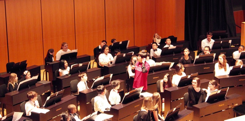 """Lang Lang Preps Students for """"101 Pianists"""" concert"""