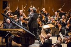 Emanuel Ax with Alan Gilbert and the New York Philharmonic  Photo: Chris Lee