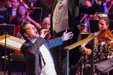 Paulo Szot performing with the New York Philharmonic Photo: Chris Lee